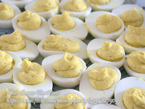 Stuffed Eggs Salad